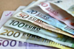 Vlaganje v vzajemni sklad je podobno trgovanju na borzi