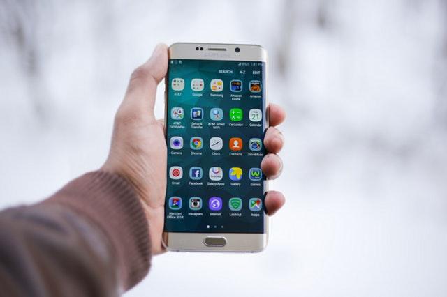mobilni telefoni so tudi pametni telefoni